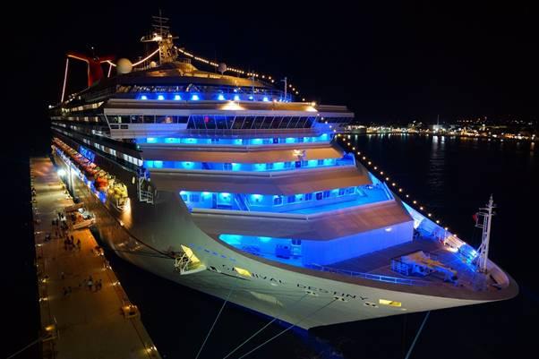cruise to cancun night shot