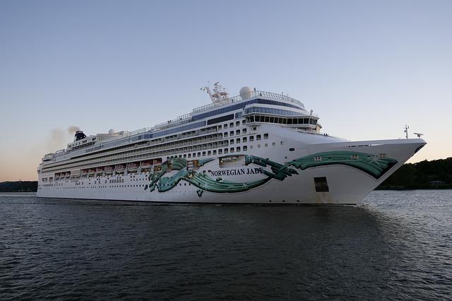 Norwegian extend sailing suspension through October