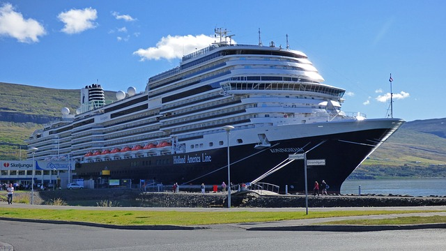 Grand World Voyage: Four continents and 50 ports of call